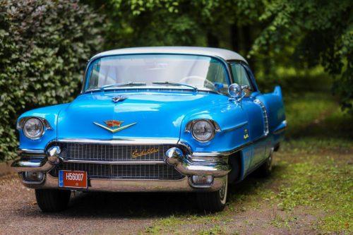 1956 Cadillac Deville nuoma švenčių proga
