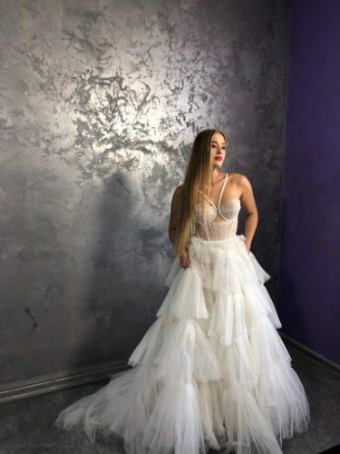 Vestuvines, Progines sukneles salonas Santa. Vyrams smokingai, kostiumai, frakai. nuoma-pardavimas