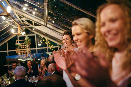 Neįprastai į vestuves atvykę jaunavedžiai stebino svečius