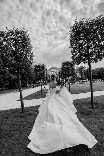 Vestuviniu sukneliu siuvimas