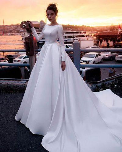 """Vestuvinių suknelių studija """"Mon Amour"""""""