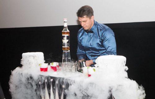 Barmenų šou,kokteilių vakarėliai,šampano piramidės,mobilus baras,barmenų,padavėjų,administratorių apmokymai