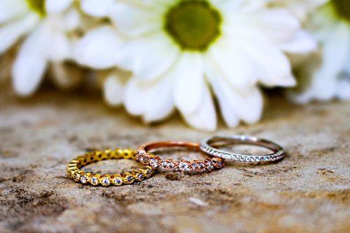 7 naudingi patarimai, kaip pasirinkti vestuvinius žiedus