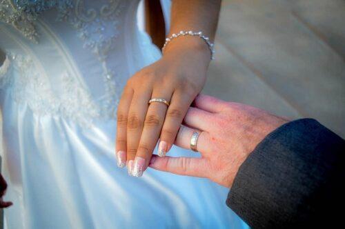 Tradicinių ir netradicinių vestuvinių žiedų dizainas, kurį geriau rinktis?